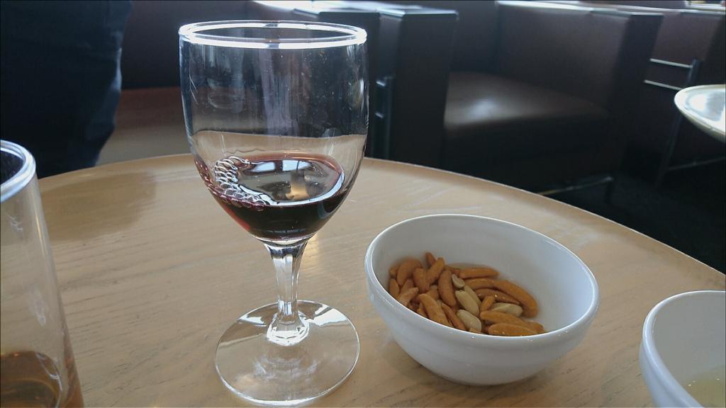 ワインと柿の種